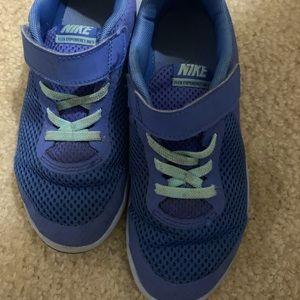 Nike girls size 1